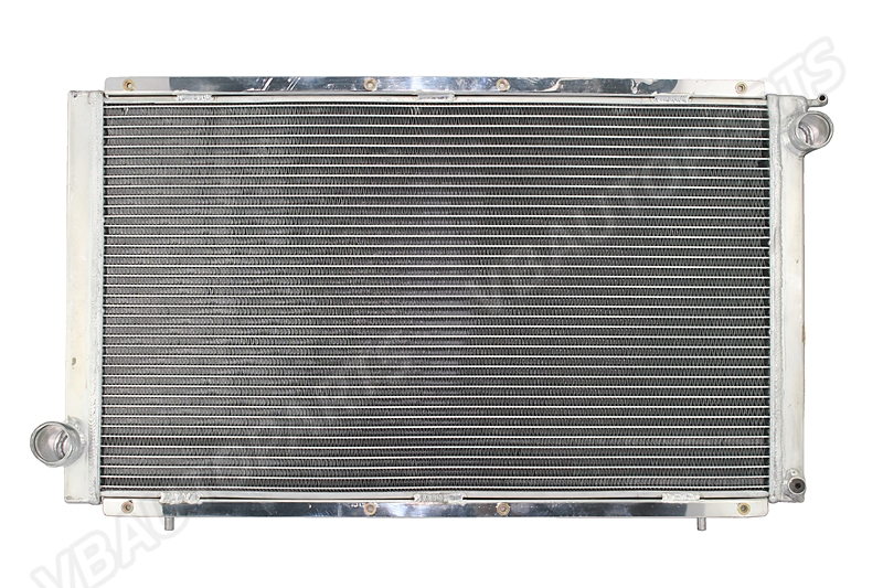 หม้อน้ำอลูมิเนียม 2 ช่องใหญ่ Subaru GC8 (MT)